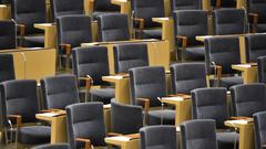 Förslag: Slopa lön för riksdagsskolkare. Foto: Jessica Gow/TT.