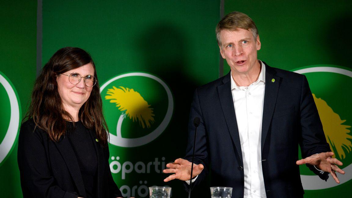 Miljöpartiets språkrör Märta Stenevi och Per Bolund. Foto: Jessica Gow, TT.