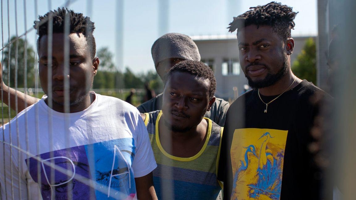 Migranter från Kamerun i ett litauiskt uppsamlingsläger. Foto: Mindaugas Kulbis/AP