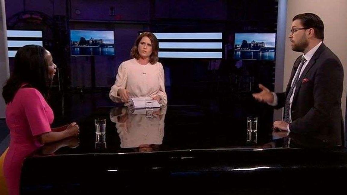 Nyamko Sabuni (L) och Jimmie Åkesson (SD) i debatt i SVT Agenda. Foto: svtplay.
