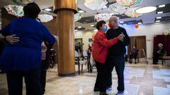 Israeliska pensionärer firar. Foto: Oded Balilty
