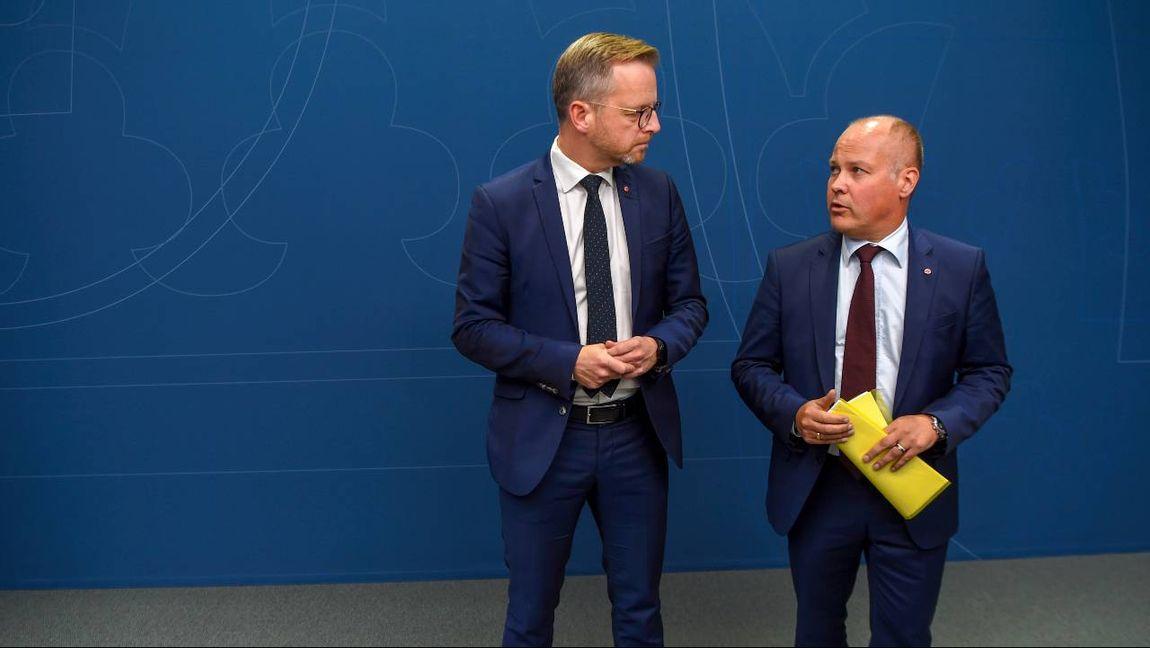 Inrikesminister Mikael Damberg (S) och justitieminister Morgan Johansson (S) har misslyckats. Foto: Henrik Montgomery, TT.