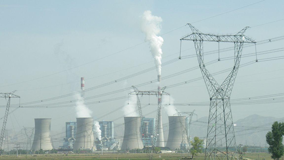 Kina bygger ut sin kolkraft. Här kolkraftverket i Shuozhou, Shanxi. Foto: Kleineolive (CC BY 3.0)